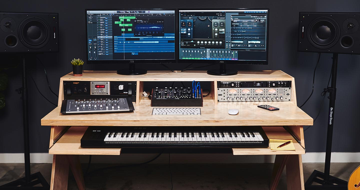 Output platform scrivania per home recording e per producer for Scrivania studio