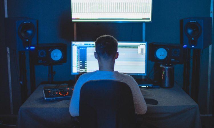 Perché-Scegliere-i-Monitor-da-Studio